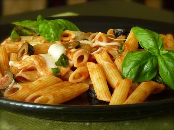 Olives and Mozzarella Pasta
