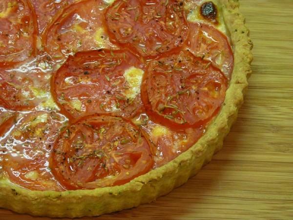 Mozzarella provolone and tomato savory pie