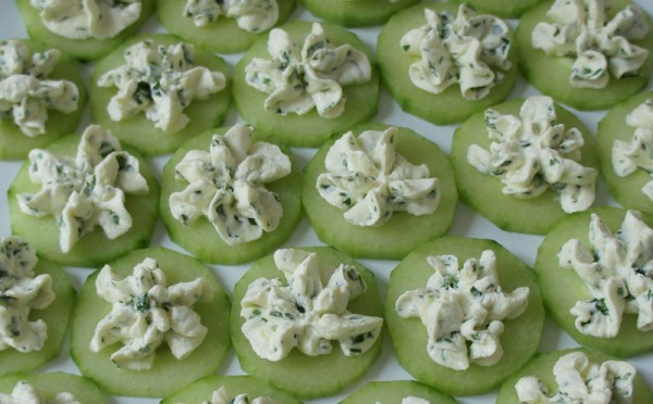 Cucumber with aromatic cheese