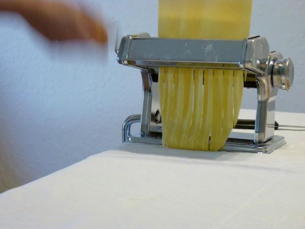 Tagliatelle with the pasta machine
