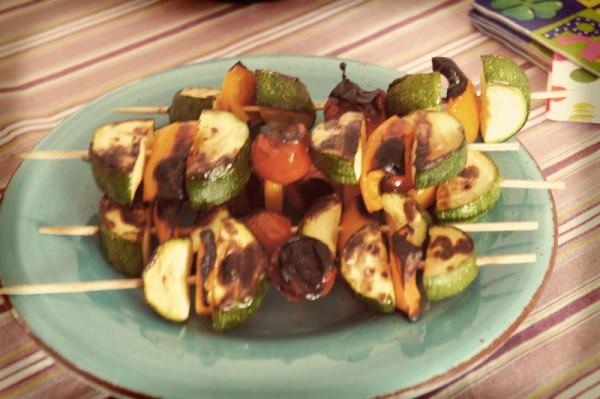 Spiedini vegetariani alla salsa di soia