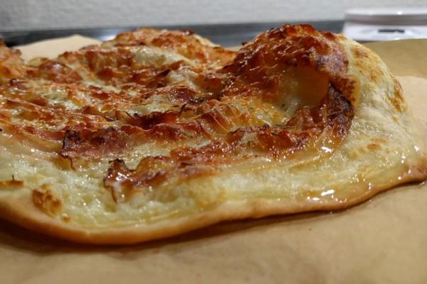 Ricetta Flammkuchen pancetta e brie