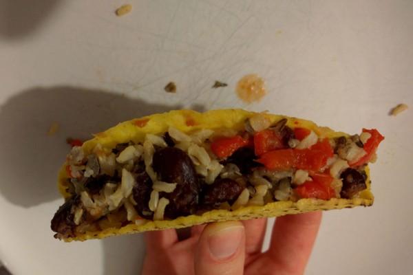 Tacos ripieni di riso integrale e fagioli